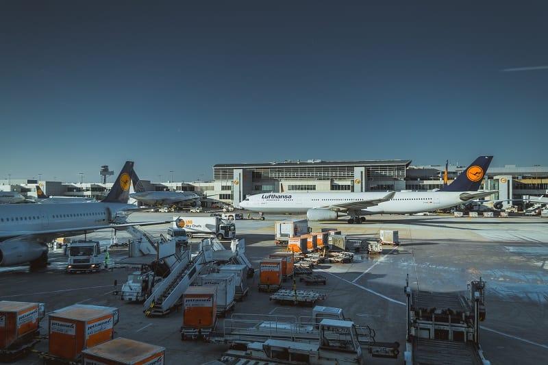 Ce trebuie să fac dacă bagajul a fost lovit în timpul călătoriei cu avionul?