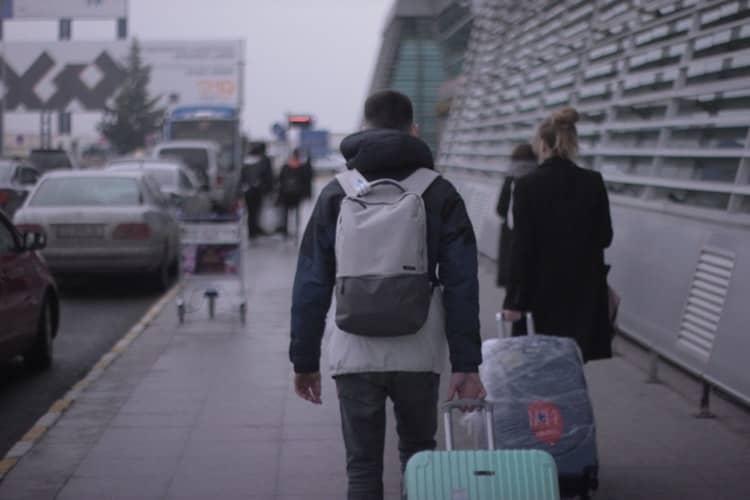 Cum protejezi trolerul atunci când călătorești cu avionul?