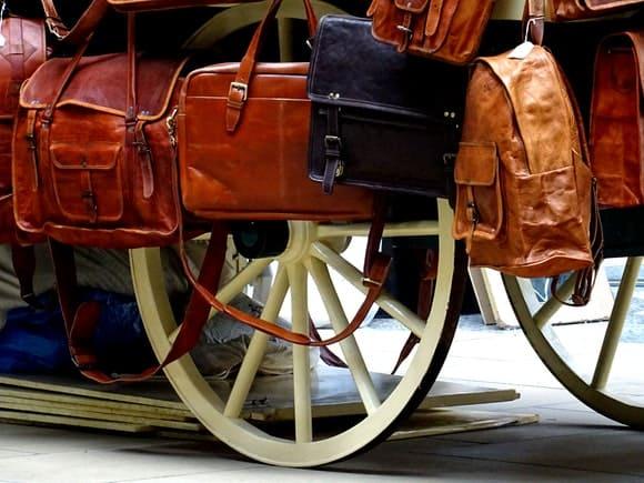 Transportul lichidelor în bagajul de cală vs. bagajul de mână